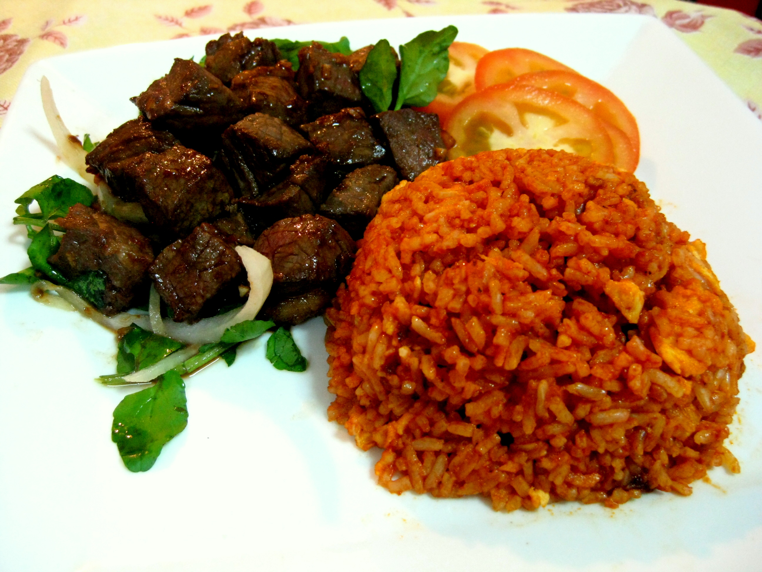 Com Bo Luc Lac (Vietnamese Shaking Beef with Tomato Rice) | Kelly Siew ...