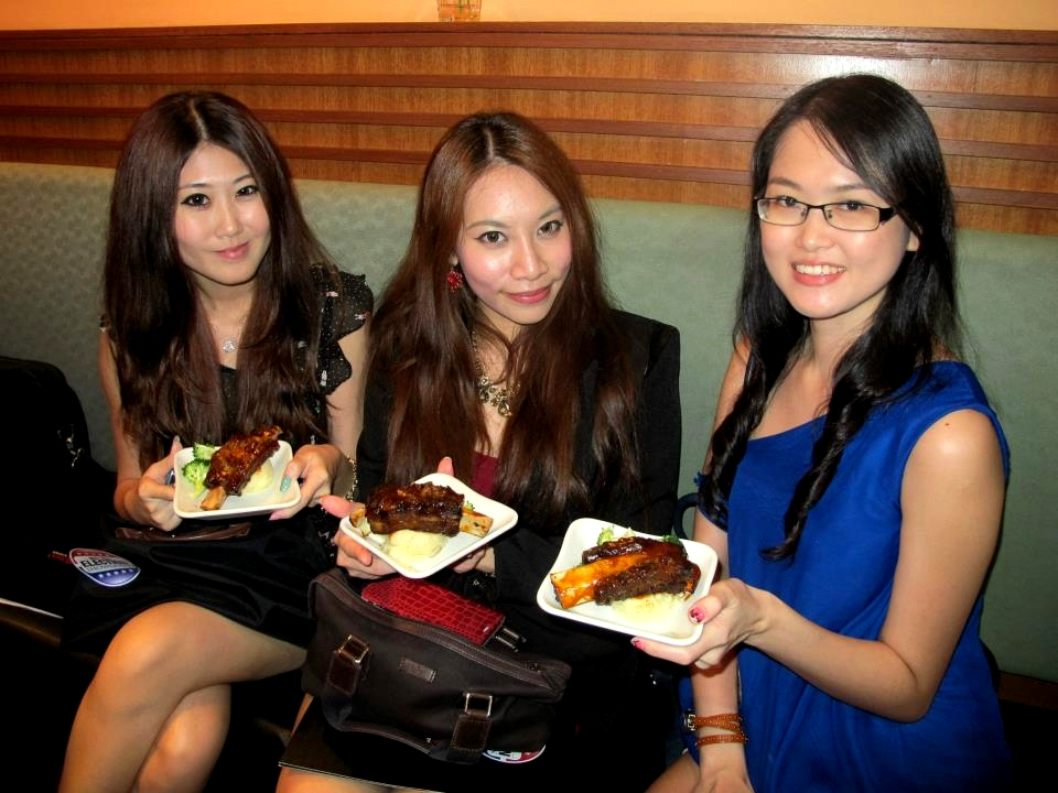 The MHB girls.