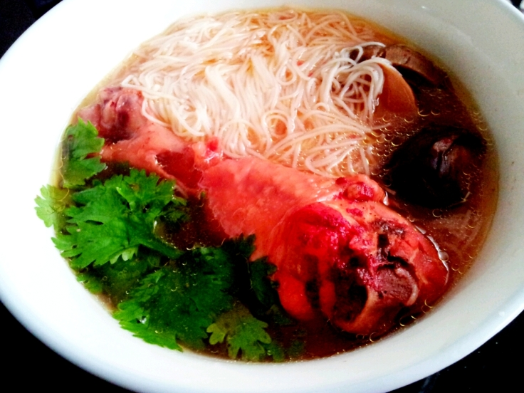 Ang Jiu Chicken Soup with Mee Sua