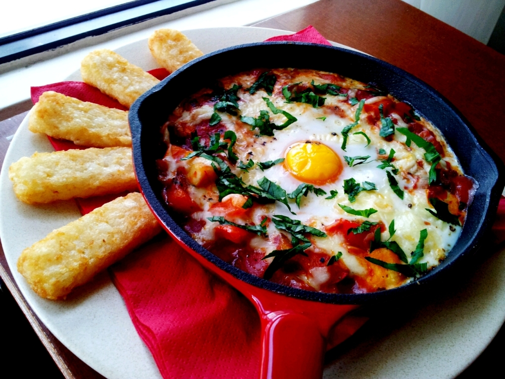 Baked egg with zucchini and Capsicum served with Simplot Mini Hash Browns.