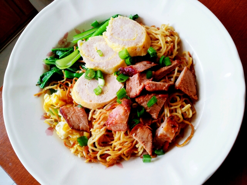 Another look at the delicious plate of noodles. Yum!