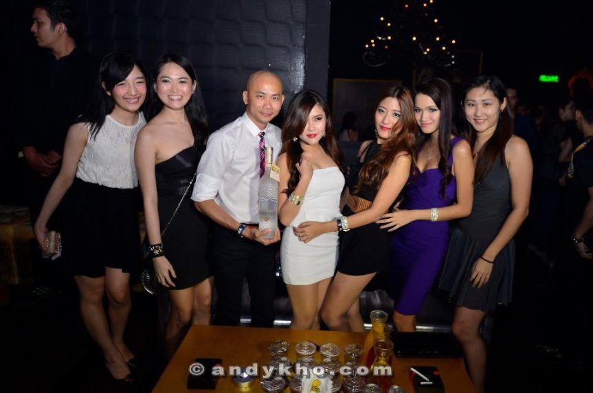 Malaysia's Hottest Bloggers with our Photographer Andy Kho