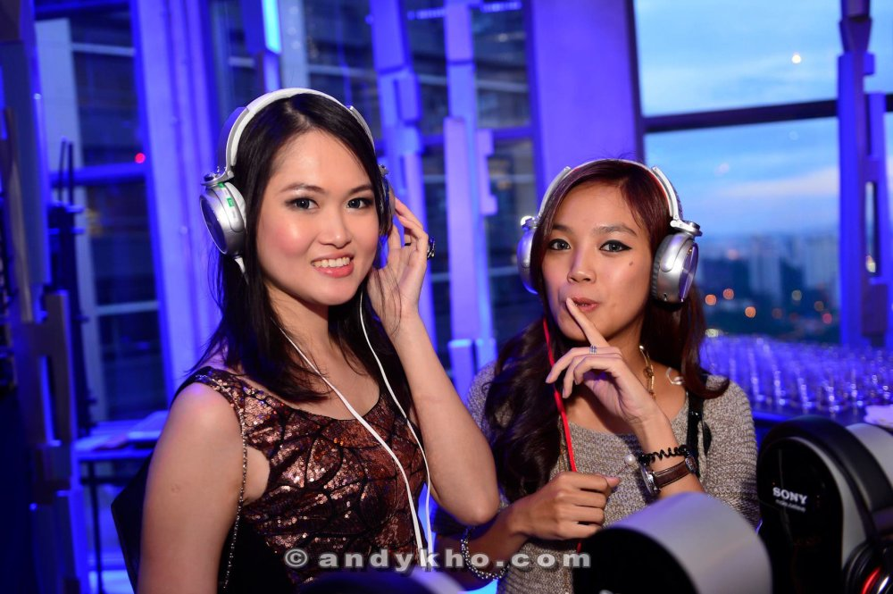 Last but not least, thank you Sony Malaysia for our gorgeous pairs of the headphones. :)