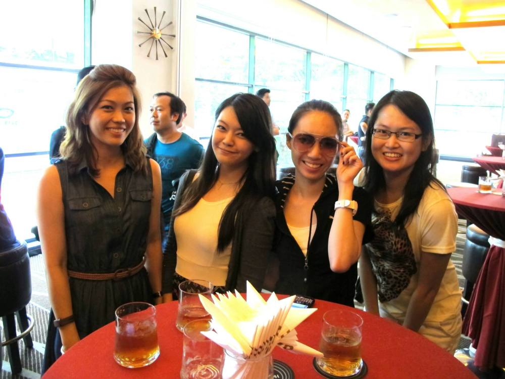 With Kelly Chin, Anna, and Naomi, Excuse my naked face.