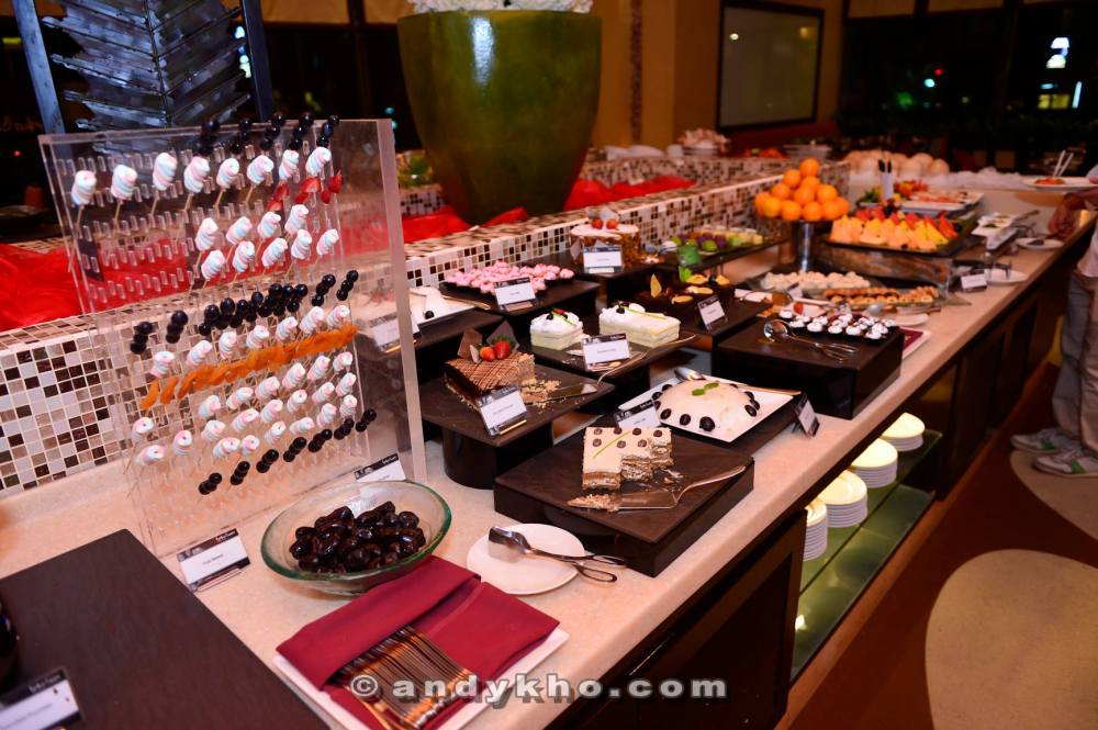 One of the dessert station
