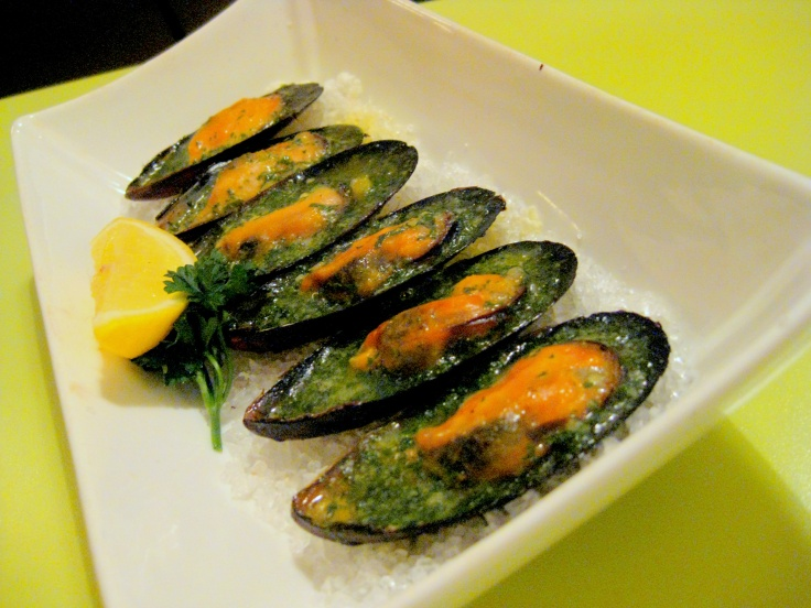 Baked Mussels Stuffed with Herbs Butter