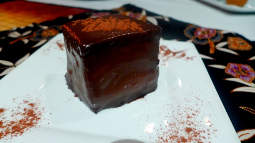 Chocolate Durian Cake RM15++
