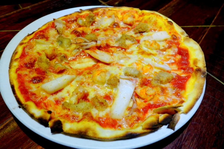 Pizza Frutti Di Mare Mixed Seafood, garlic, basil, tomato & mozzarella