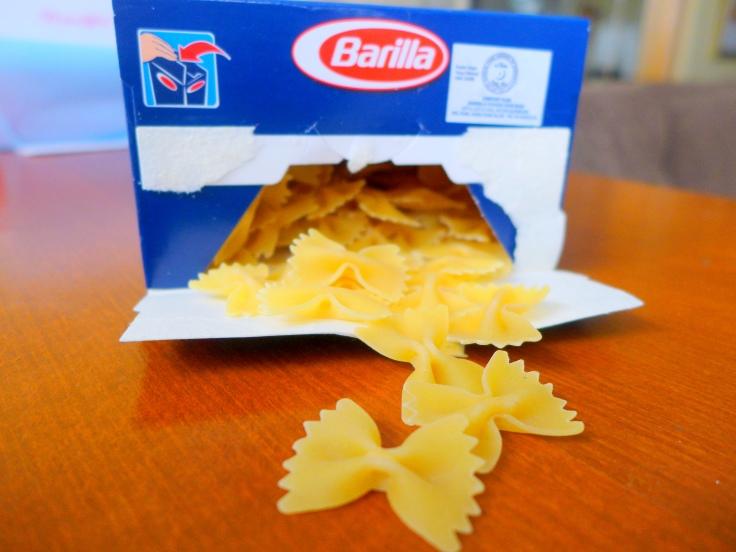 Just your ordinary Farfalle pasta.