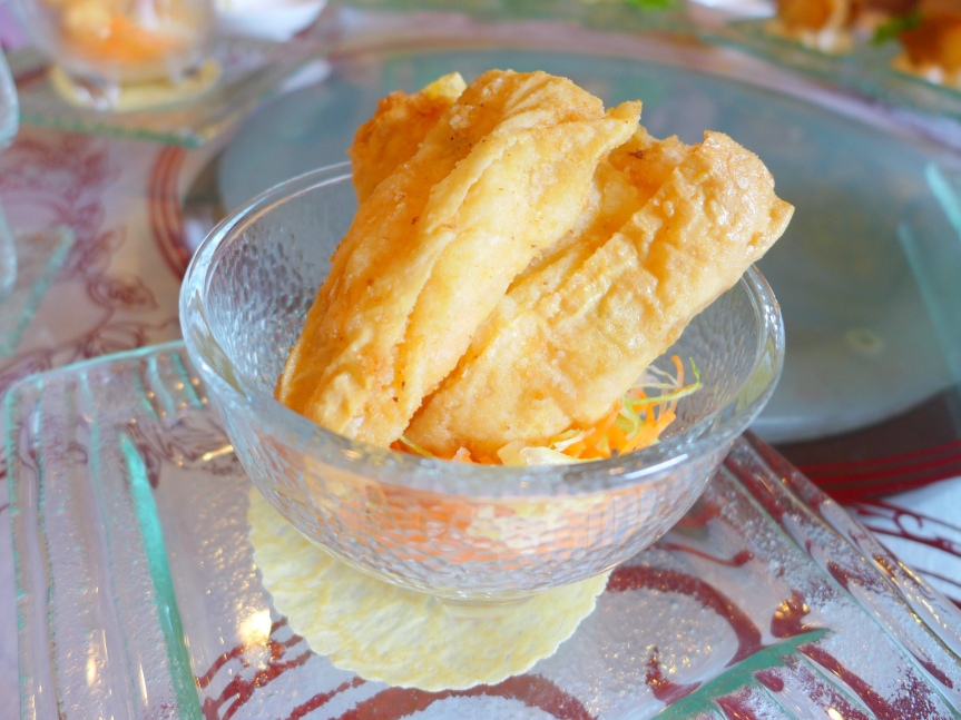 Deep-fried Bean Curd Roll with Cheese and Prawns