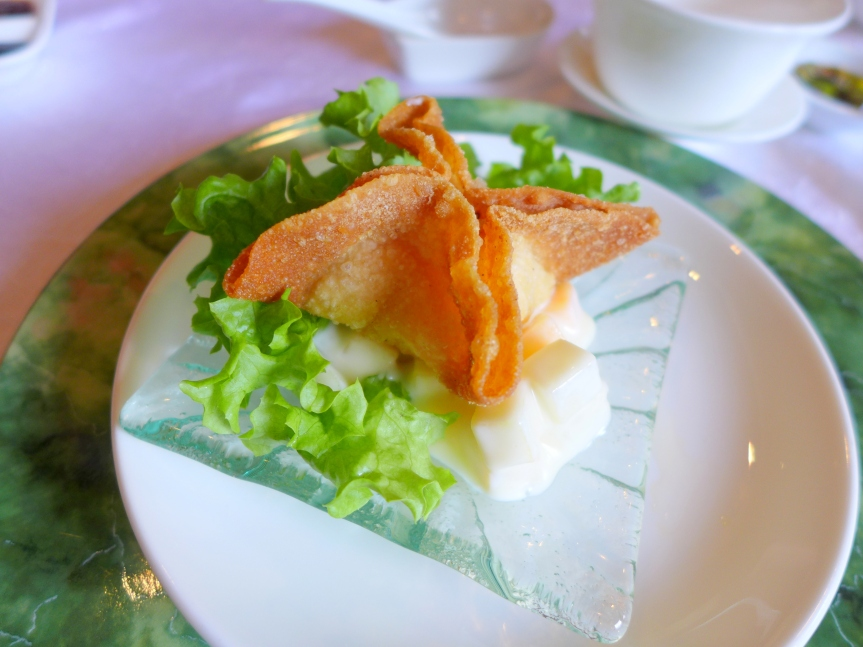 Crispy Shrimps Wanton served with Fruits Salad Mayonnaise