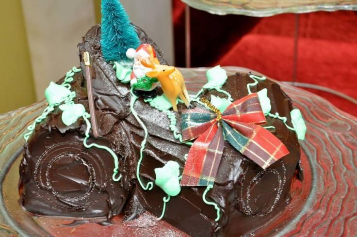 Christmas Yule Log Cake