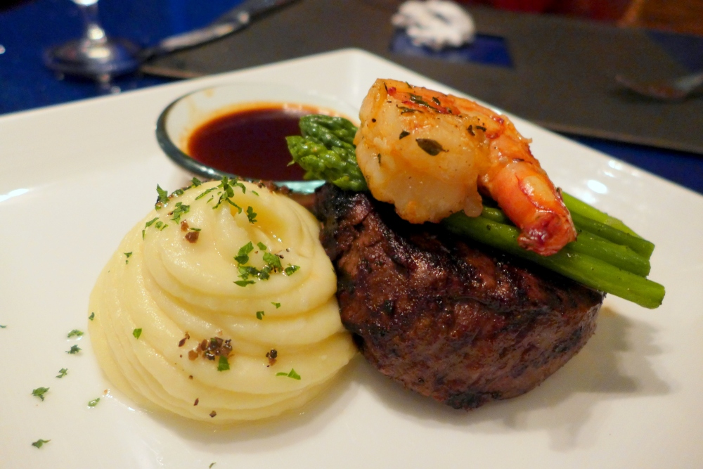 Tenderloin with King Prawn, Asparagus and Mash